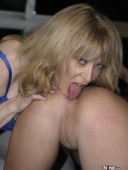sweet blonde mama blue