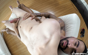 Bearded hunk stuffs a twinks ass with hi - XXX Dessert - Picture 9