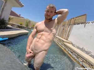 Hunks in bikini swimwear do some forepla - XXX Dessert - Picture 4