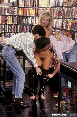 Lusty blonde lets two horny dudes take o - XXX Dessert - Picture 6