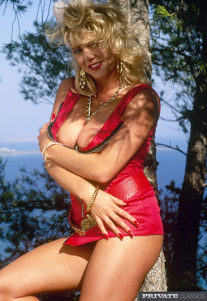 Smoking hot blonde in sexy red dress and - XXX Dessert - Picture 1