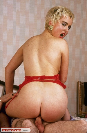 Short haired blonde sucks her hubby's di - XXX Dessert - Picture 9