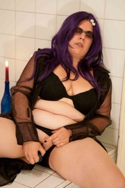 purple-haired fatty glasses toying
