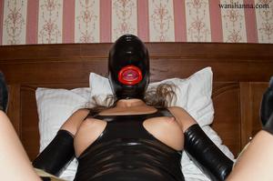 Bondage chick wearing tight black latex  - XXX Dessert - Picture 5