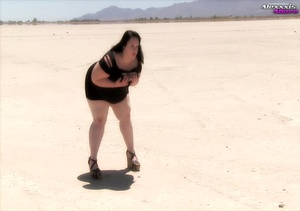 Big fat babe pops her monstrous juggs ou - XXX Dessert - Picture 2
