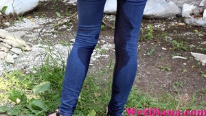 She makes her pants wet from top to bottom outdoors - XXXonXXX - Pic 3