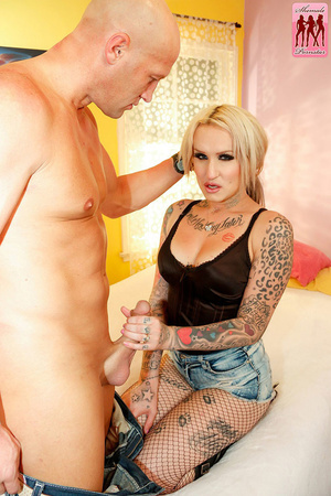 Tattooed blonde tranny fucked by a big b - XXX Dessert - Picture 4
