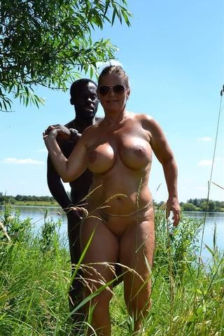 blonde bombshell lusty boobs