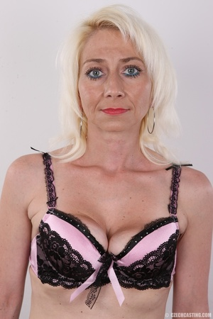 Cute damsel in lacy black and pink undie - XXX Dessert - Picture 6