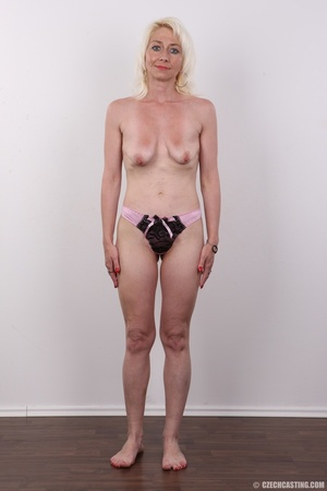 Cute damsel in lacy black and pink undie - XXX Dessert - Picture 9