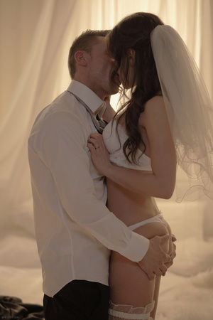 Newly wed hottie in beautiful white gown - XXX Dessert - Picture 12