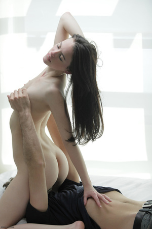 Lovely babe bends over on a white couch  - XXX Dessert - Picture 9