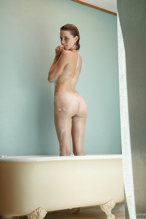 Luscious young blonde teases with her se - XXX Dessert - Picture 10