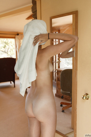 Luscious young blonde teases with her se - XXX Dessert - Picture 12