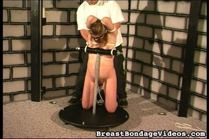 Ropes and chain make girl stay on her kn - XXX Dessert - Picture 9