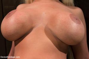 Blonde bimbo with big boobs spread in bo - XXX Dessert - Picture 4