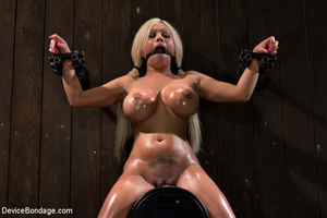 Blonde bimbo with big boobs spread in bo - XXX Dessert - Picture 6