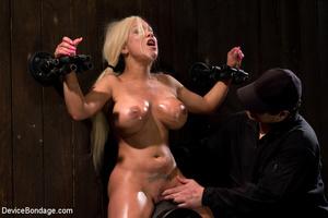 Blonde bimbo with big boobs spread in bo - XXX Dessert - Picture 8