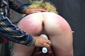 Blonde dame gets stimulated vagina with  - XXX Dessert - Picture 4