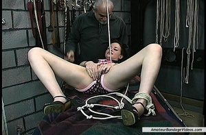 Bitch lets elder master fuck her after e - XXX Dessert - Picture 3