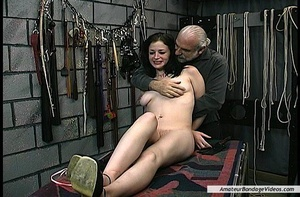 Bitch lets elder master fuck her after e - XXX Dessert - Picture 7