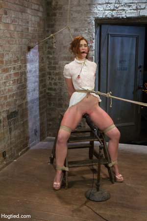 Red haired slave gets fisted in suspensi - XXX Dessert - Picture 2