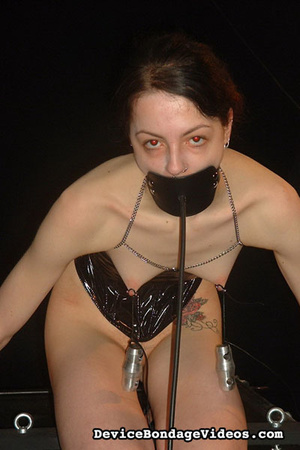 Sexy raven haired babe is ready for a ni - XXX Dessert - Picture 1