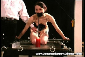 Sexy raven haired babe is ready for a ni - XXX Dessert - Picture 6