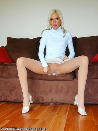 excellent peach blonde cutie