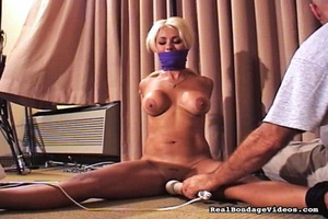 Gorgeous blonde was surprised with sexua - XXX Dessert - Picture 16