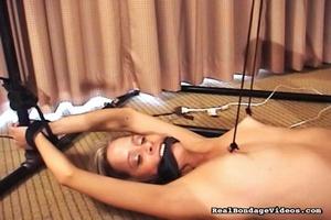 Vibrator stimulates juicy pussy of bonda - XXX Dessert - Picture 7