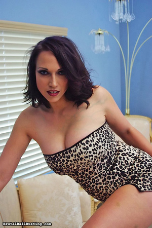 Seductive babe in leopard dress exposes  - XXX Dessert - Picture 15