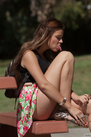 Brunette chick in a floral skirt demonst - XXX Dessert - Picture 4