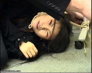 Japanese lady in bondage gets her pussy  - XXX Dessert - Picture 3