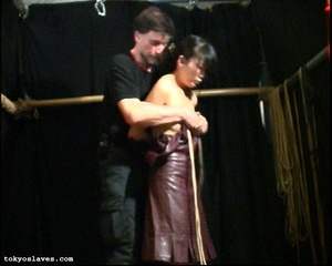 Japanese lady in bondage gets her pussy  - XXX Dessert - Picture 9