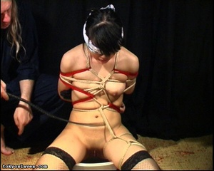 Japanese lady in bondage gets her pussy  - XXX Dessert - Picture 14