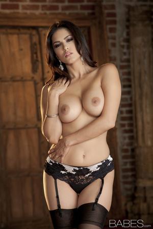 Busty brunette lady in wonderful black l - XXX Dessert - Picture 7