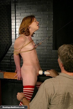 Good looking girl gets spanked and her n - XXX Dessert - Picture 12