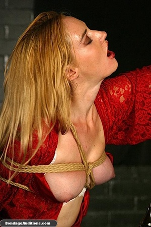 Beautiful lady in red loves some kinky b - XXX Dessert - Picture 9