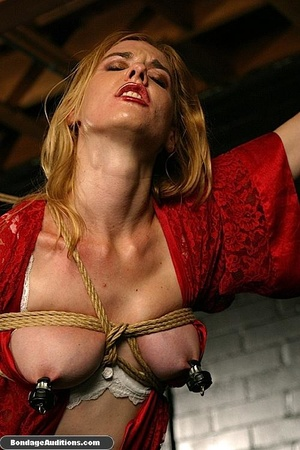 Beautiful lady in red loves some kinky b - XXX Dessert - Picture 16