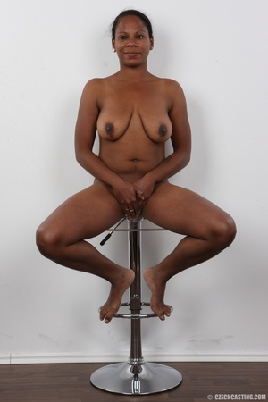 Ebony miss with floppy tits has an aesth - XXX Dessert - Picture 17