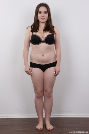 Radiant young lady with a real body is p - XXX Dessert - Picture 3
