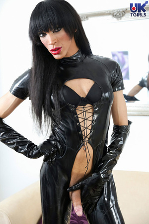 Tranny Mistress in a hot black bodysuit  - XXX Dessert - Picture 7