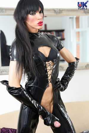 Tranny Mistress in a hot black bodysuit  - XXX Dessert - Picture 9