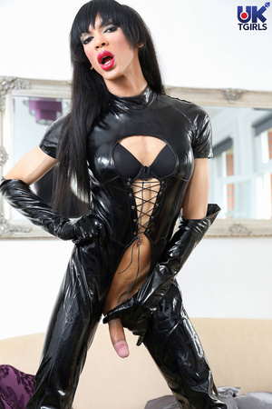 Tranny Mistress in a hot black bodysuit  - XXX Dessert - Picture 11