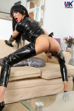Tranny Mistress in a hot black bodysuit  - XXX Dessert - Picture 15
