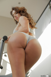 bubble-booty babe warm stockings