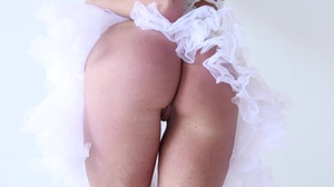 Passionate MILF with a curvy body rides  - XXX Dessert - Picture 4