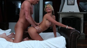 Curvy blonde lady takes a bath and enjoy - XXX Dessert - Picture 12