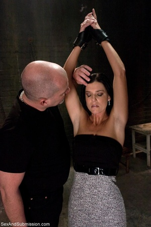 Brunette doesn't know what kind of fun s - XXX Dessert - Picture 1